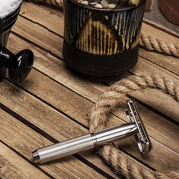 600 x 600 super safe safety razor