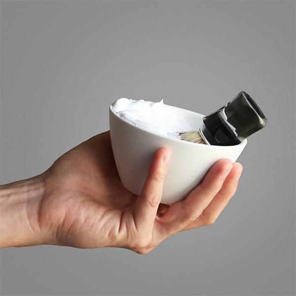 traveler shave bowl in hand